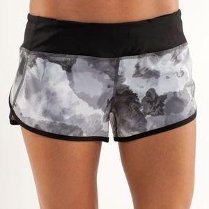Lululemon Speed Up Shorts - Size 4